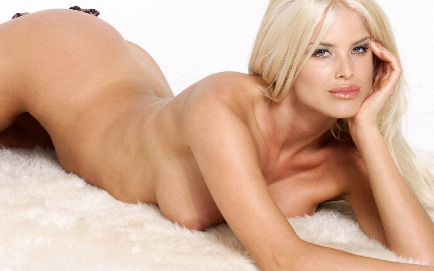 Victoria silvstedt porn photos — pic 6