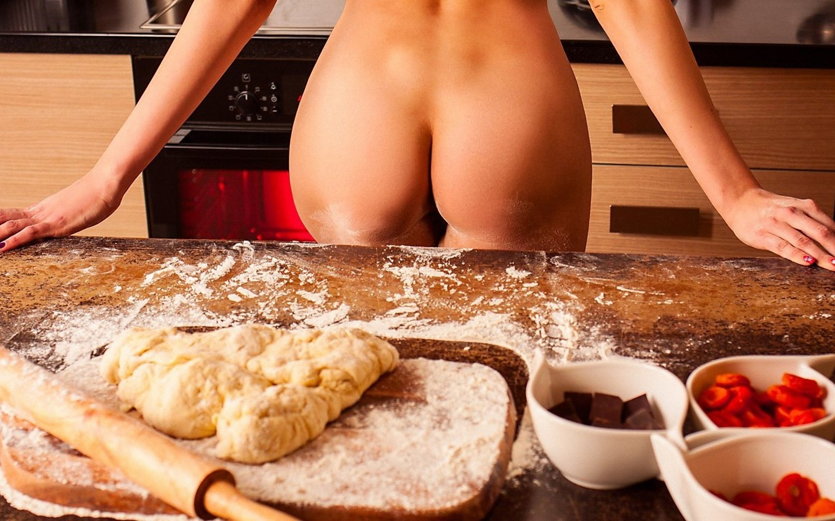 sexy-girl-cooking-ass-ejaculating-sex-toy