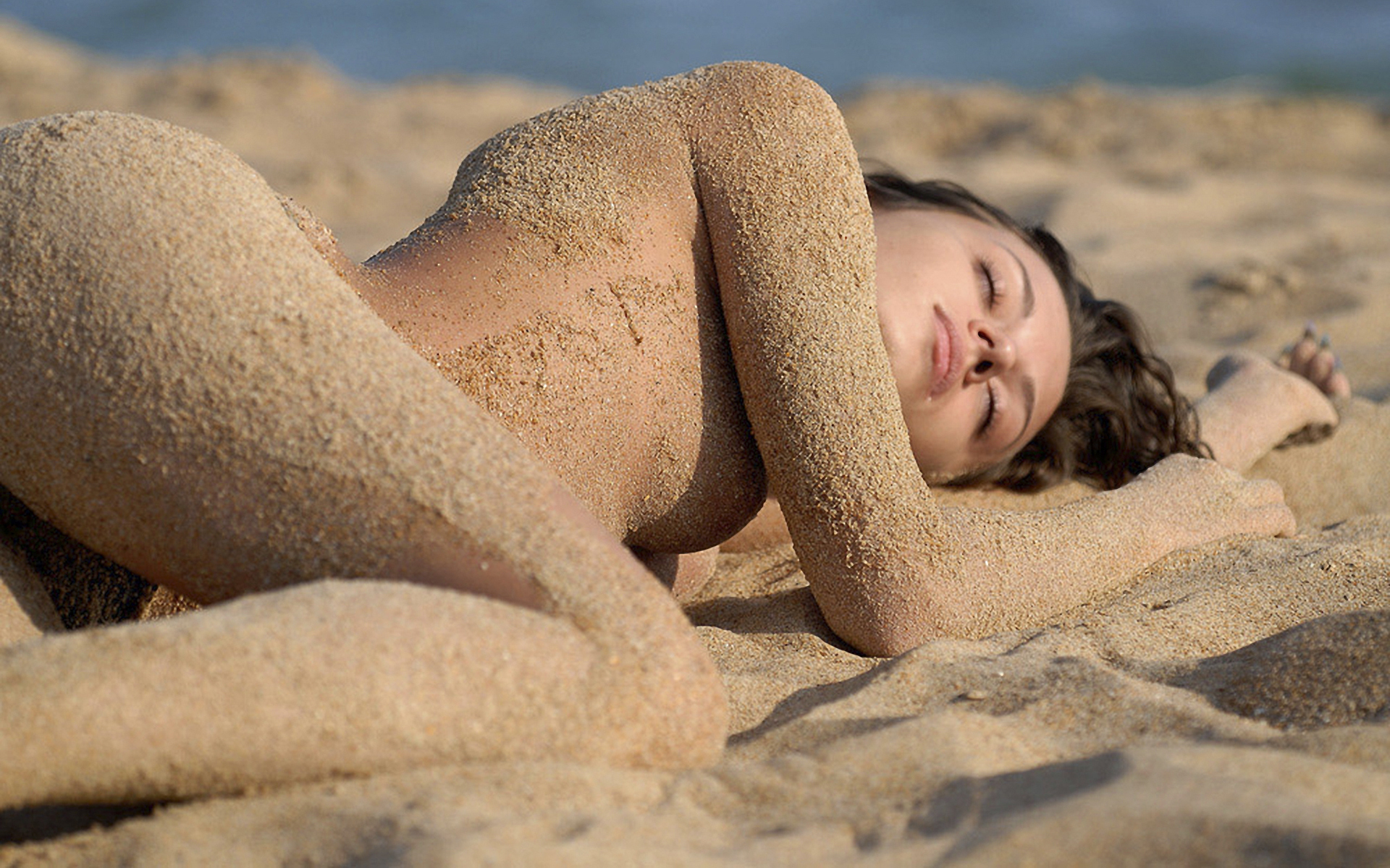 naked-girls-on-the-beach-sleeping-free-busty-centerfold-naughty-in-bed