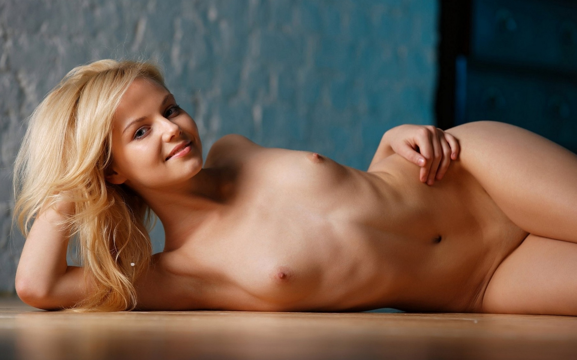 young-naked-models-galleries-mmf-bi-video